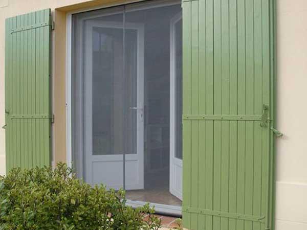 pose moustiquaire pour Porte fenêtre par menuiserie du littoral montpellier