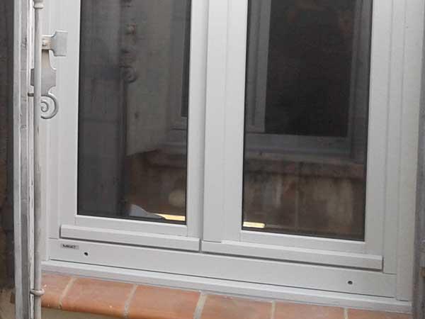 Fenêtres bois gris de Montpellier