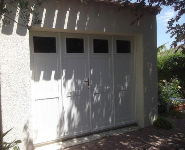 porte de garage avec hublot en bois gpf proche montpellier