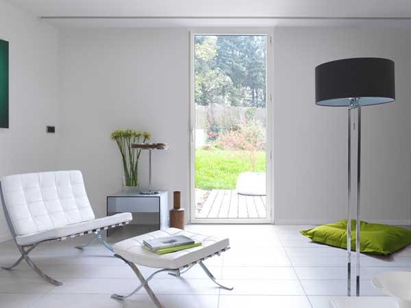 pose Porte-fenêtre Aluminium Kline dans appartement