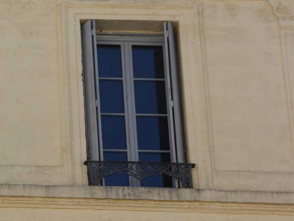 Fenêtre bois Ecusson Montpellier